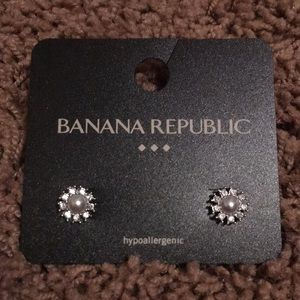 Banana Republic Pearl Diamond studs